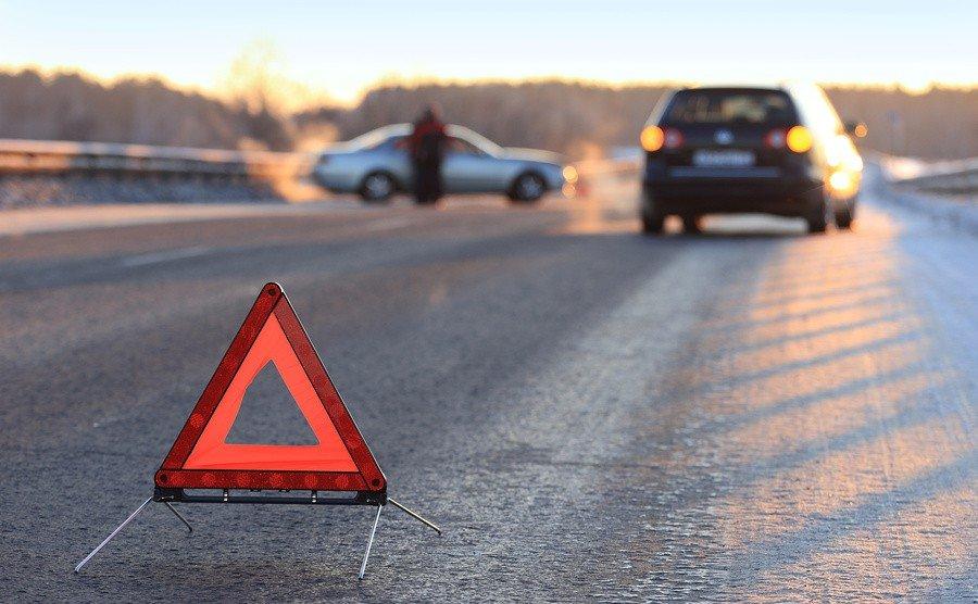 Два человека погибли вночном ДТП накрымской трассе