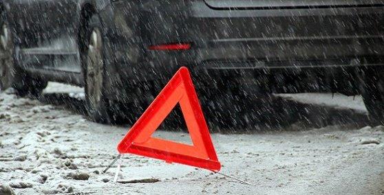 ВИванове шофёр раздавил надороге санки сдетьми