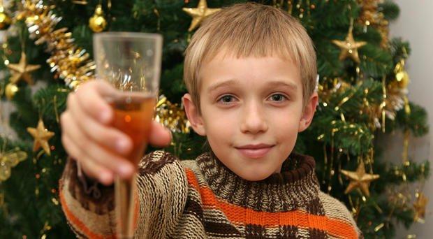 Онищенко: Детское шампанское запретить! Оно ведет детей понаклонной