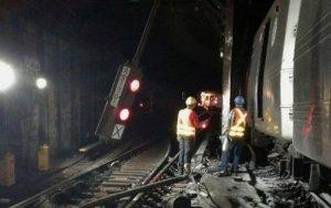 В Нью-Йорке с рельс сошел пассажирский поезд