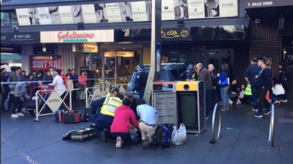 ВСиднее автомобиль въехал втолпу, ранен ребенок
