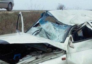 В Крыму при попытке обгона перевернулся ВАЗ, есть жертва и пострадавшие