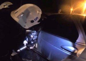В Крыму водитель легковушки врезался в дерево, в Севастополе столкнулись иномарки – погиб мужчина