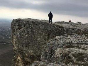 В Крыму женщина пыталась совершить суицид, прыгнув со скалы