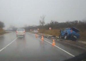 В Крыму при лобовом столкновении автомобилей пострадали два человека