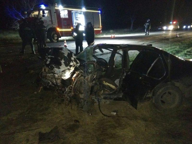 Лобовое столкновение вКрыму: умер шофёр ВАЗа