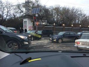 Три аварии на дорогах стали причиной огромных пробок в Симферополе