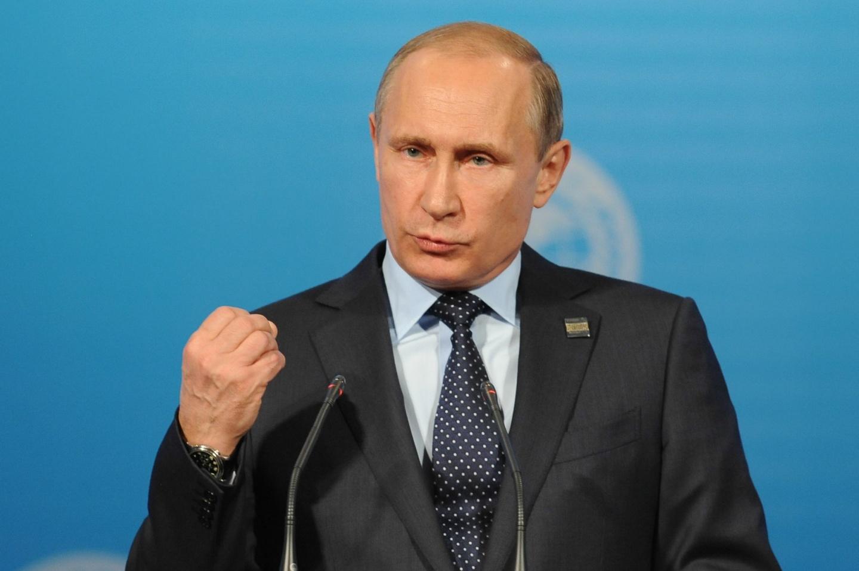 Екатеринбуржцы активно ставят подписи засамовыдвижение Путина